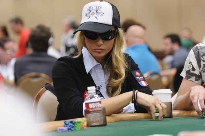 Vietoj pokerio Vanessa Rousso pradėjo kurti muziką 0001