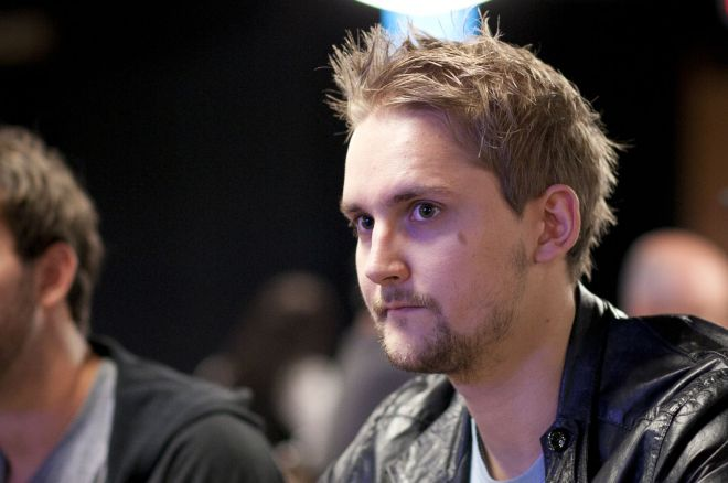 """Niklas """"ragen70"""" Heinecker Ganhou $411,000 e Já Leva +$2,1 Milhões em Novembro 0001"""