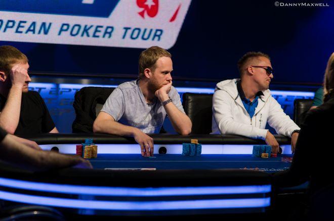 Никита Николаев на ТВ-столе