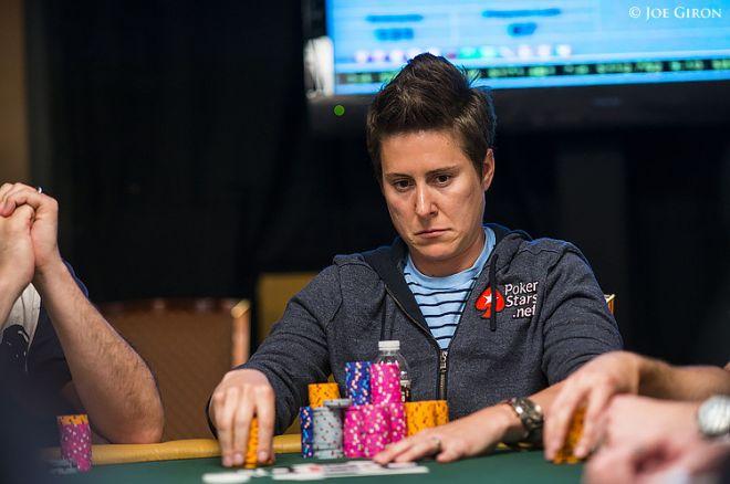 Vanessa Selbst se pone al frente del primer evento de las WSOP 0001