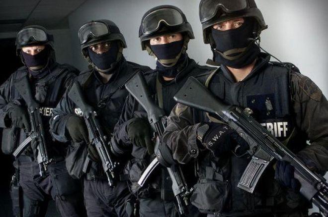 PokerNews Boulevard: SWAT team ingeroepen voor homegame in Amerika, Peters en Moolhuizen busten in Melbourne