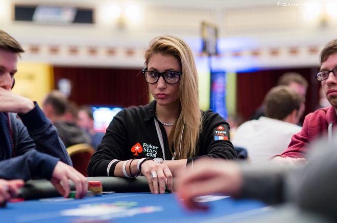 Retėja PokerStars rinktinės gretos - pasitraukė žavingoji Vanessa Rousso 0001