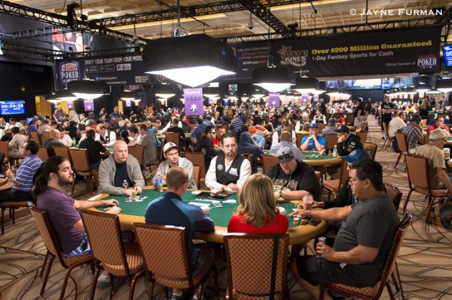 Imagining Day 1: A Look at the Structures and Stacks for Low Buy-In WSOP Events