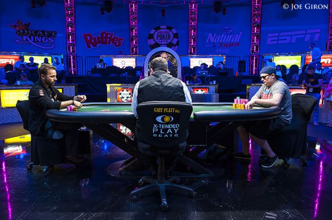 Daniel Negreanu and Paul Volpe, heads-up in last year's $10K 2-7 NL Single Draw Championship