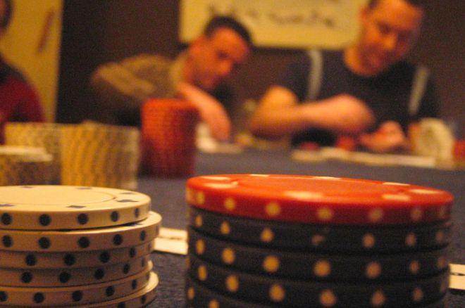 organiser un tournoi de poker chez soi. Black Bedroom Furniture Sets. Home Design Ideas