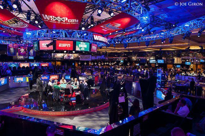 WSOP pagrindinis turnyras: per dvi startines dienas jau varžėsi 2,457 žaidėjai 0001