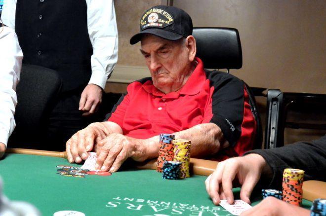 Vyriausias WSOP pagrindinio turnyro dalyvis - 94 metų Williamas Wachteris 0001
