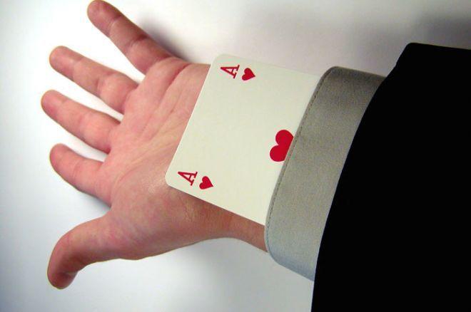 Kuriozas: Klivlande sukčiavimu apkaltintas krupjė kortas slėpė rankovėje 0001