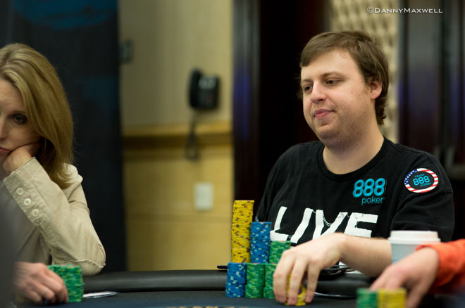 Pasaulio čempionas Joe McKeehenas nepervertina savo galimybių aukščiausioje pokerio... 0001