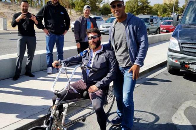 Iššūkis įveiktas: D.Bilzerianas dviračiu numynė iš Los Andželo į Las Vegasą 0001