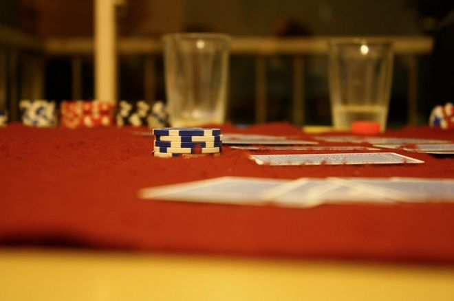 Hosting an Awesome Poker Game at Home: Tournaments vs. Cash Games