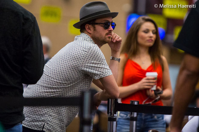Global Poker League : Aaron Paul en mode patron 0001