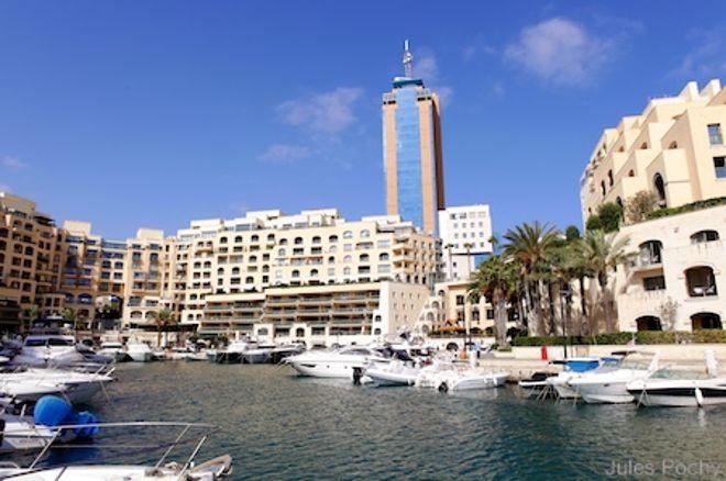 PokerNews Boulevard - Leonardo Armino naar Dag 3 van IPT Malta, Leonard leidt €25k High Roller