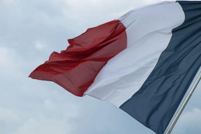 Онлайн покер регулация Франция и Италия
