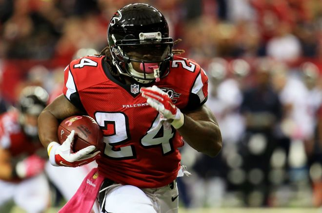 NFL Week 15: The Best DFS Plays and Betting Picks 0001