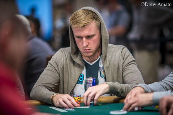 Satellite Sensations: 888 Qualifiers Mixing it Up in Main Event Day 1C 0001