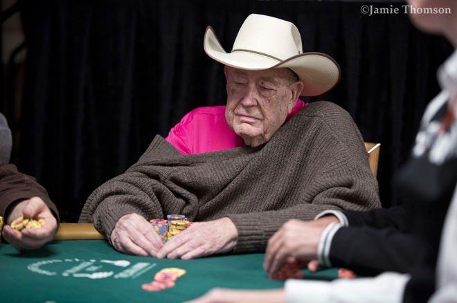 Legendos atsisveikinimas: Doylas Brunsonas artėja prie finalinio WSOP #23 stalo 0001