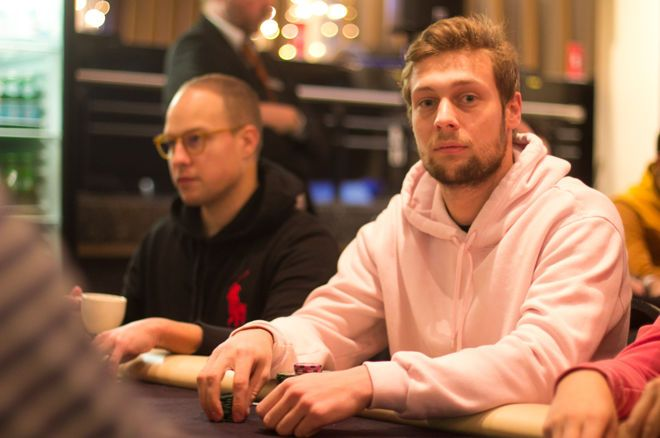 Teun Mulder has a slight lead over [Removed:172] with nine left in the Master Classics of Poker Main Event.