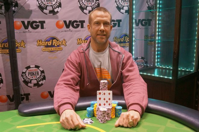 Phillip Pope denied Kou Vang to win the latest Circuit Main Event.