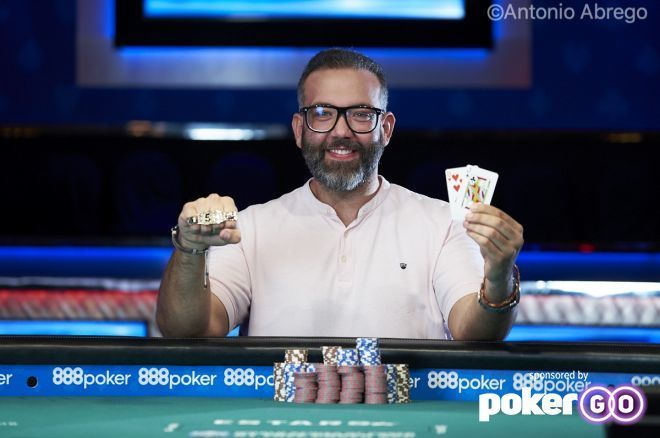 Santiago Soriano Wins $371,203 and First Bracelet in the WSOP $800 Deepstack