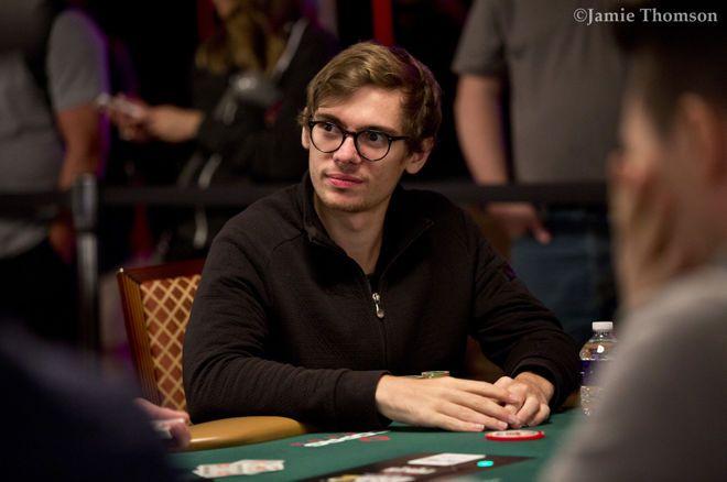 Fedor Holz Memenangkan Gelang Kedua di Acara Online WSOP # 79: Heads Up $ 25.000 NLHE ($ 1.070.250)