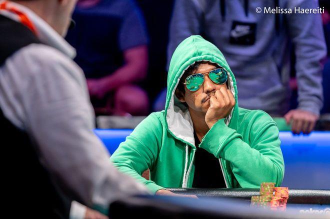 """Upeshka """"gomezhamburg.dll"""" De Silva Memimpin dengan 71 Pemain Bertahan di Hari 1 Acara Utama WSOP 2020"""